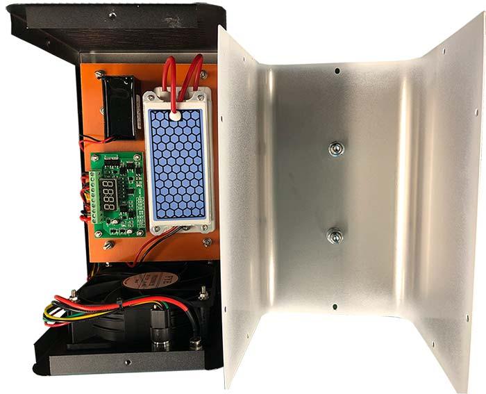 Kvalitné vnútorné prevedenie ozónového generátora do auta