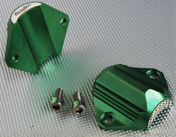 Jednoduchá inštalácia - zmäkčovač stačí pripevniť na potrubie priloženými skrutkami.
